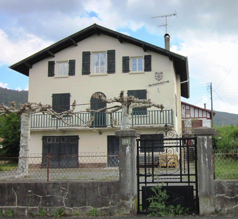 Immeuble vendre st jean pied de port pays basque for Maison saint jean lille