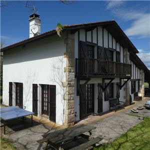 6 bedrooms 7 room house to buy in St Jean Le Vieux