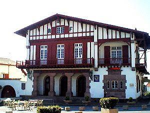 la mairie de Bidart au Pays Basque